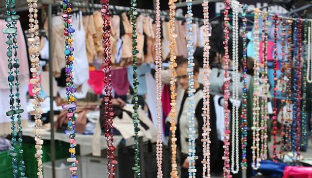a8bb48f4bedb Puedes utilizar el nombre de piedras preciosas o perlas con estilo como por  ejemplo
